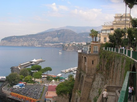 - SHORE  EXCURSIONS  IN  ITALY